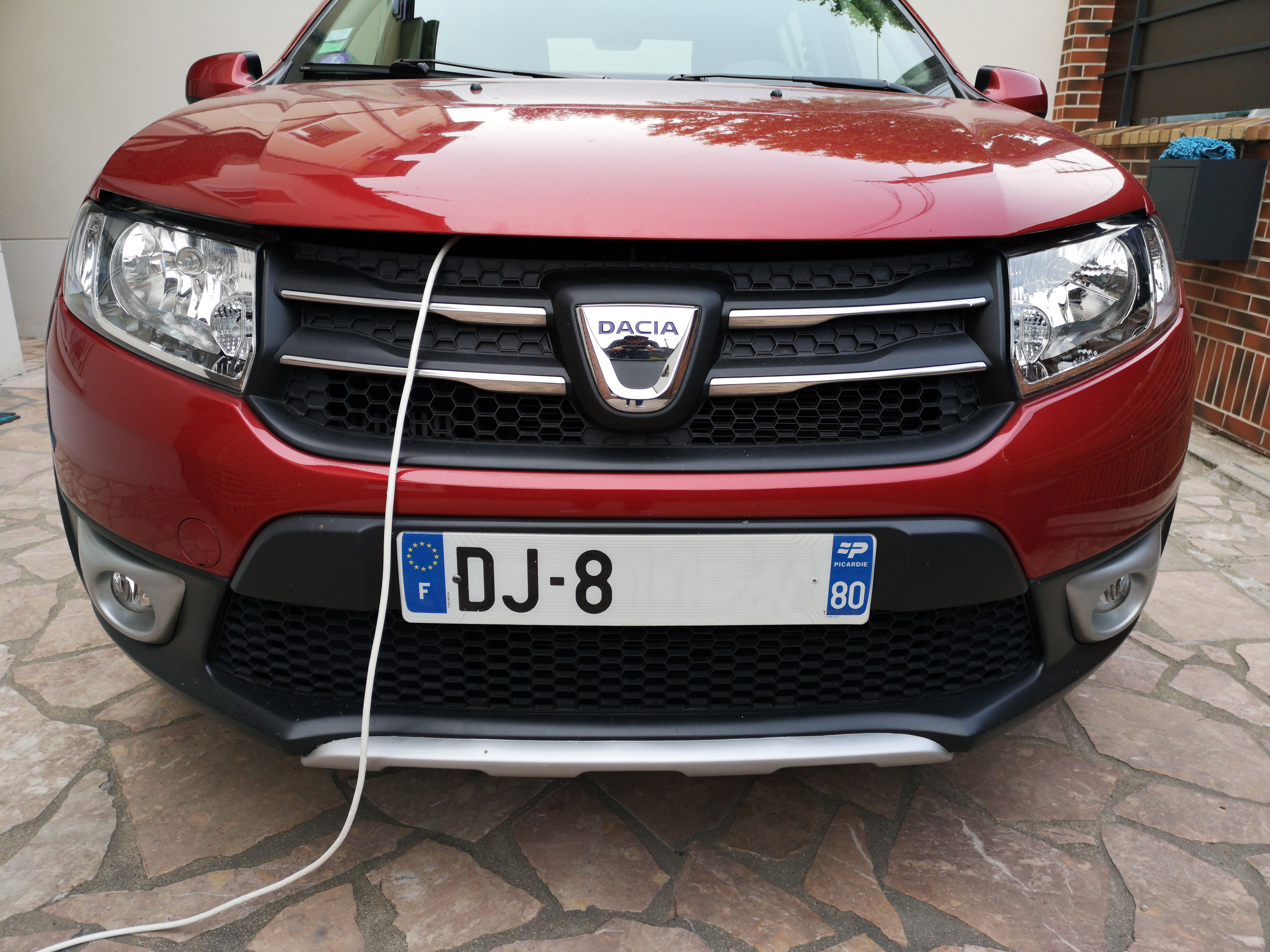 Dacia Sandero Batterie Recharge