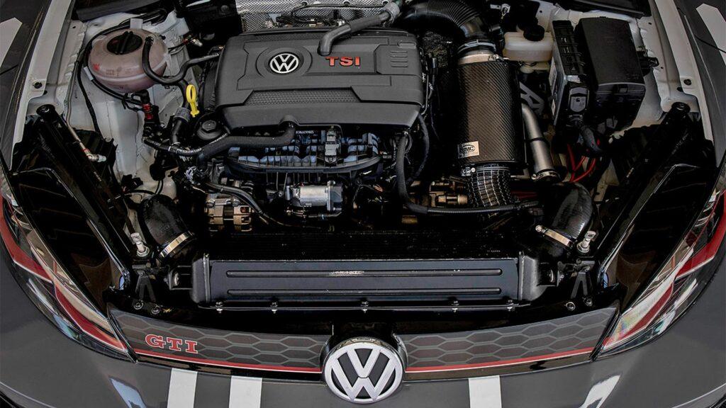 Volkswagen_Golf_GTI_7_moteur